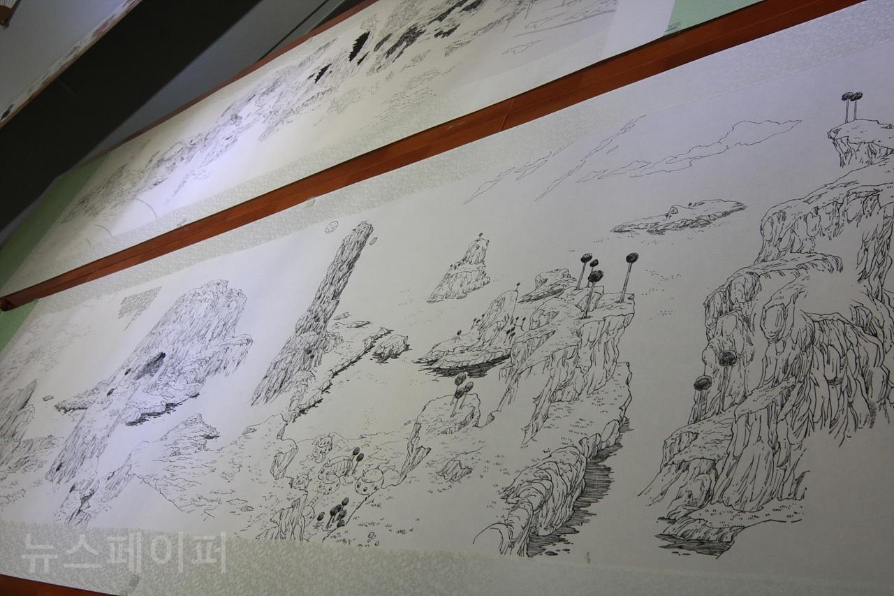손동현 작가의 '배틀 스케이프' 연작 [사진 = 김보관 기자]