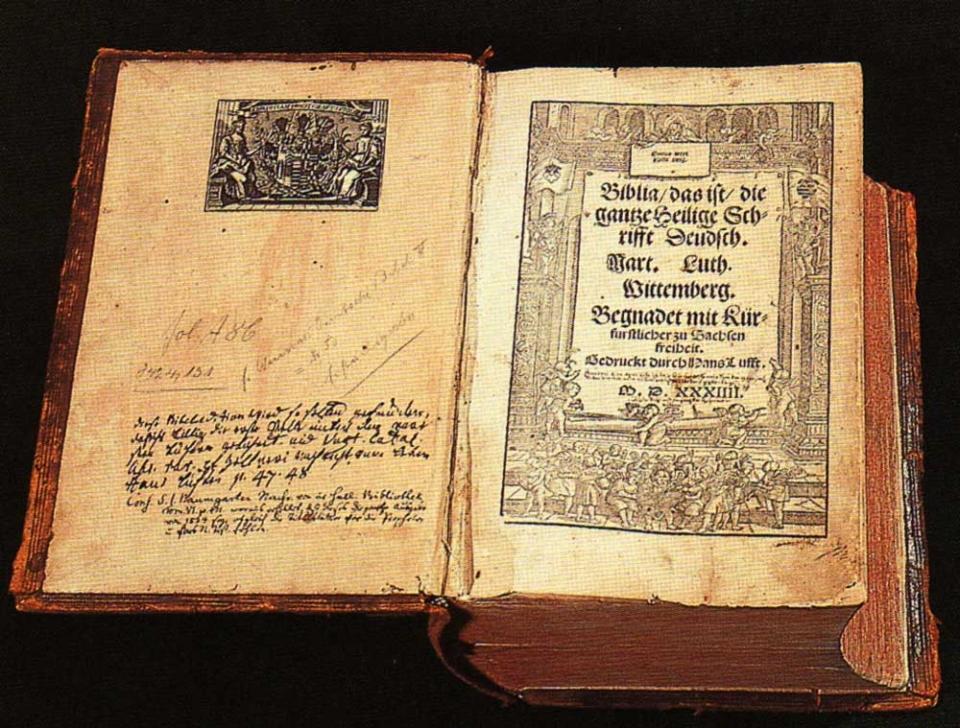 루터가 독일어로 성서를 번역하면서 누구나 성서를 읽을 수 있게 되어, 독일 기독교인들은 성직자들의 지배에서 벗어나 자유롭게 성서를 읽고 이해할 수 있게 되었다.
